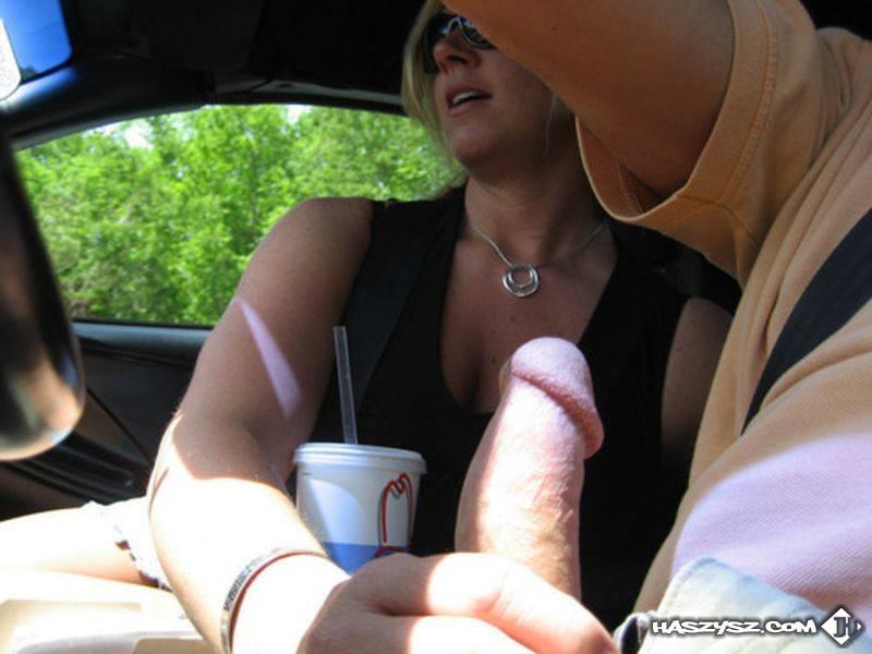 Handjob im fahrenden auto - Mata Porno Tube
